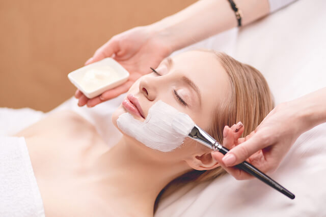 Skin Therapy Kinds: Microdermabrasion, Chemical Peels & Extra