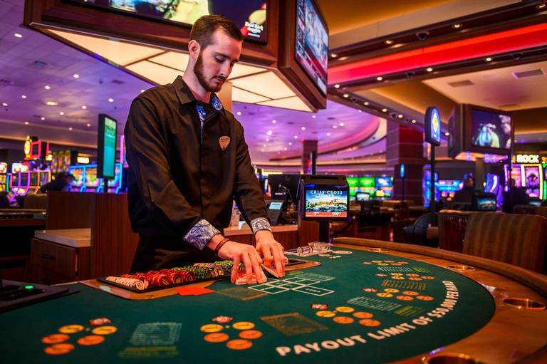 These Hacks Will Make Your Poker Casino Look Like A pro